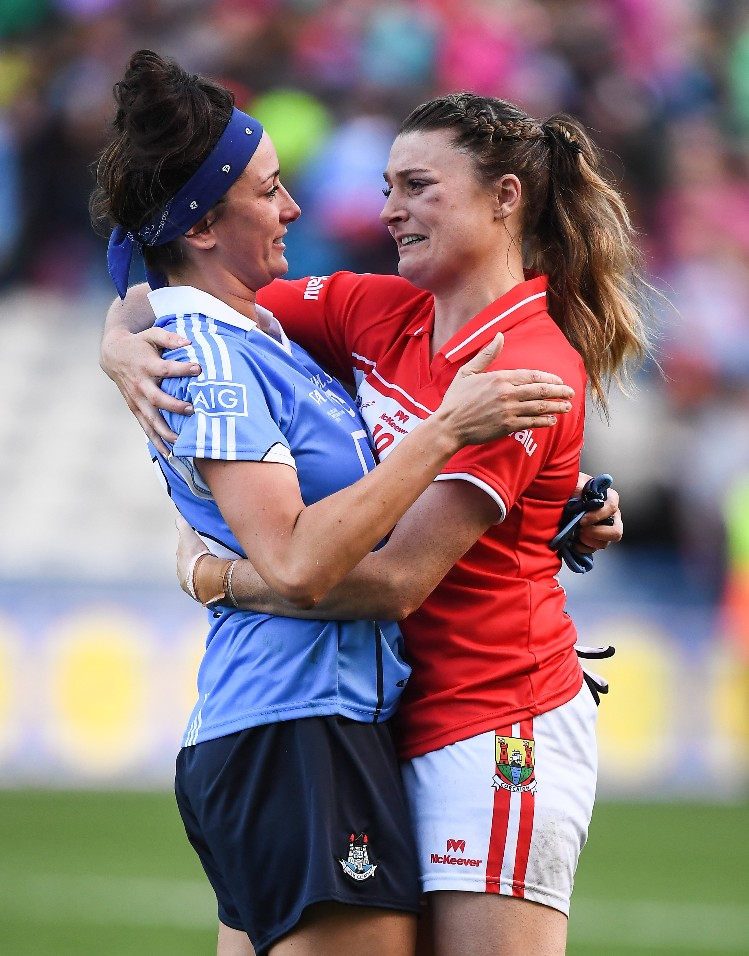 25 September 2016; Annie Walsh, right, of Cork consoles Niamh McEvoy of Dublin after after the Ladies Football All-Ireland Senior Football Championship Final match between Cork and Dublin at Croke Park in Dublin. Photo by Brendan Moran/Sportsfile